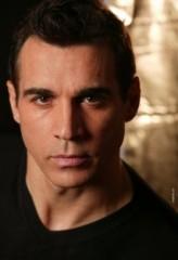Adrian Paul profil resmi