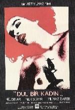 Dul Bir Kadın (1985) afişi
