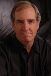 John Patrick Lowrie profil resmi