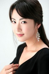 Kim Yoon-Kyung profil resmi