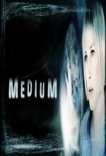 Medium (2005) afişi