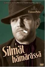 Silmät Hämärässä (1952) afişi