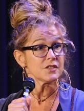 Susannah Melvoin profil resmi