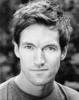 Tom Frederic profil resmi