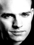 Robert Loehr profil resmi
