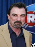 Tom Selleck profil resmi