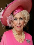 Barbara Cartland profil resmi