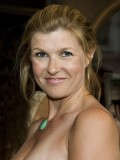 Connie Britton profil resmi