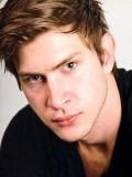 Greyston Holt profil resmi