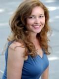 Julia Carothers Hughes profil resmi