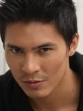 Lewis Tan profil resmi