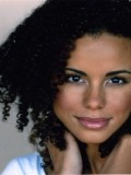Parisa Fitz-Henley profil resmi