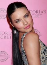 Adriana Lima profil resmi