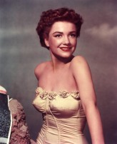 Anne Baxter profil resmi