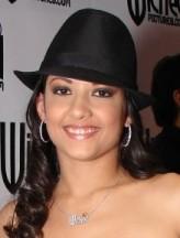 Carmen Hart profil resmi