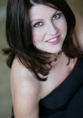 Christy Lee Hughes profil resmi
