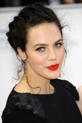 Jessica Brown-Findlay profil resmi