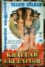Krallar Eğleniyor (1976) afişi