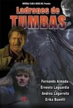 Ladrones De Tumbas (1989) afişi