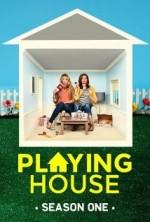 Playing House Sezon 1 (2014) afişi