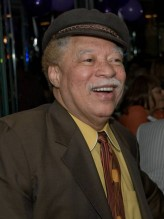 Reynaldo Rey profil resmi