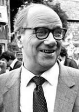 Richard Davies profil resmi