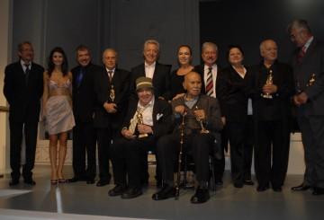 Onur Ödülleri Sahiplerini Buldu