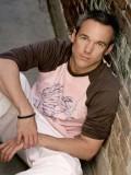 Edward Kerr profil resmi