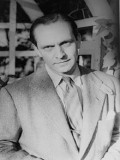 Fredric March profil resmi
