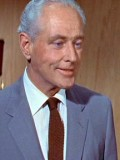 George Macready profil resmi
