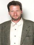 Ken Kwapis profil resmi