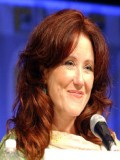 Mary McDonnell profil resmi