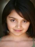 Ariela Barer profil resmi