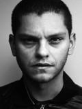 Daniel Louis Rivas profil resmi