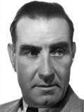 Frank Lloyd profil resmi