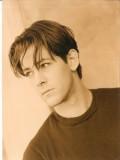 J. Trevor Edmond profil resmi