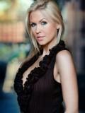 Lauren Jones profil resmi
