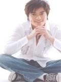 Lin Yi Hong profil resmi