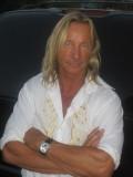 Matthias Hues profil resmi