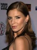 Nina Kaczorowski profil resmi